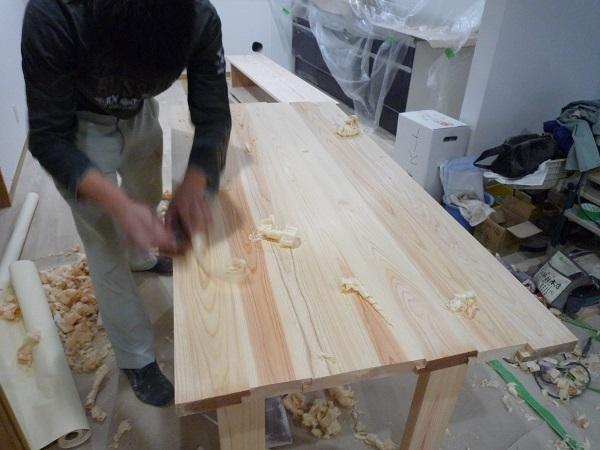 家具造り カンナ掛け