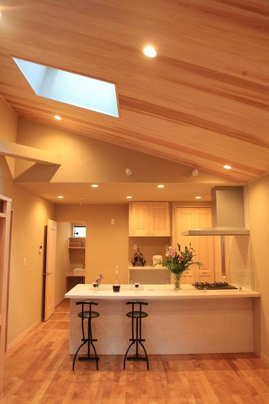 防火地域でも木の雰囲気満載の家
