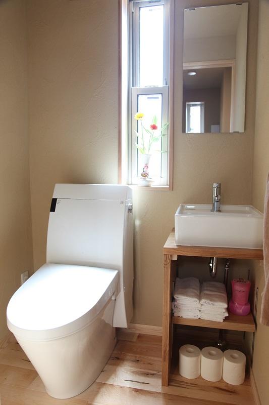 狭小3階建ての3階に配置したトイレ