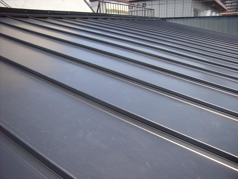 新規ガルバリウム鋼板の屋根