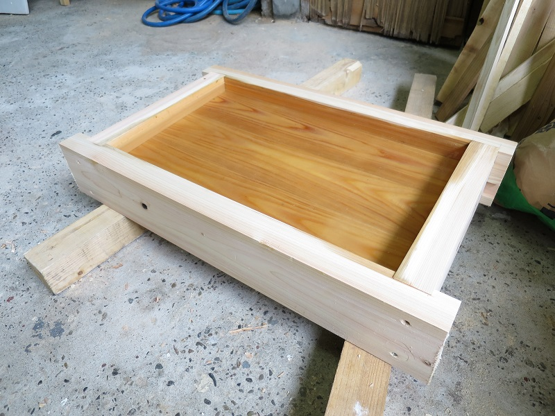 試作品の木の水槽