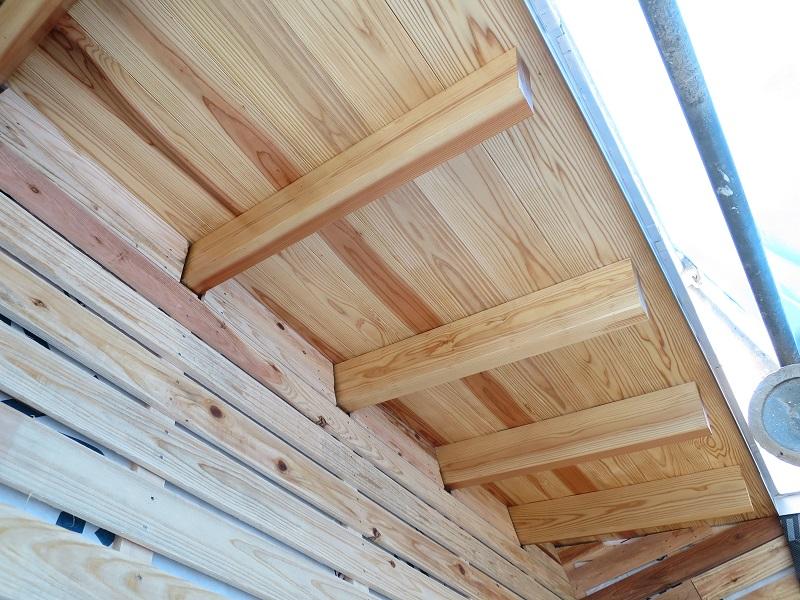 準耐火構造の屋根垂木と野地板